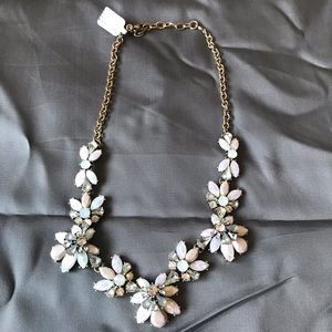 Floral pink tinted necklace